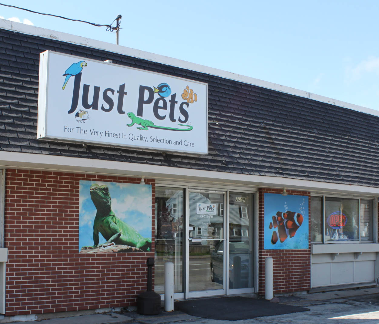 Just Pets - Appleton, WI